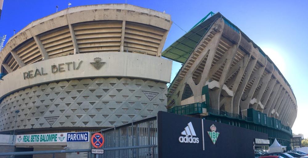 betis full stadium.jpg