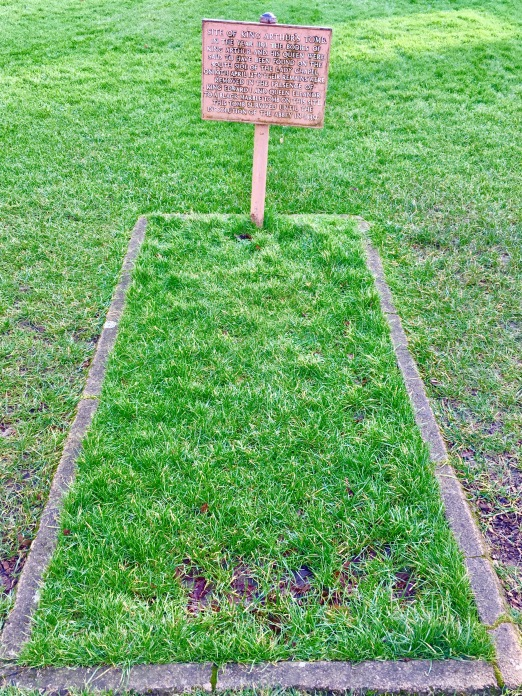 Arthur's Tomb.jpg